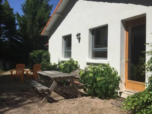 Gite - Châtel-Montagne gite 5 : Guest accommodation near Châtel-Montagne