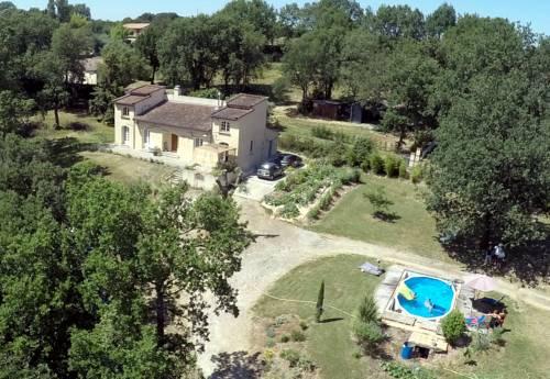 Bienvenue dans notre petit paradis : Guest accommodation near Le Castéra