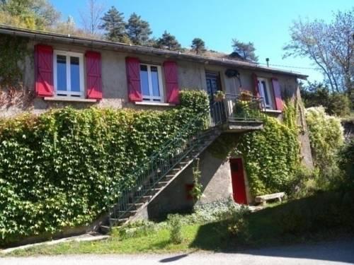 House La source : Guest accommodation near Saint-Sever-du-Moustier
