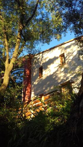 Chambres d'hôtes Le Bois Des Frenes : Bed and Breakfast near Argelliers