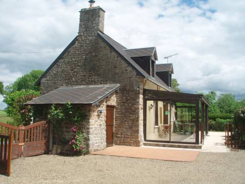 La Chaumiere : Guest accommodation near Isigny-le-Buat