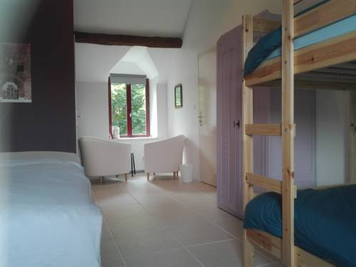ChampduTaillis : Bed and Breakfast near Cérilly