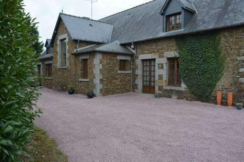 Mont Saint Michel Farmhouse : Guest accommodation near Crollon