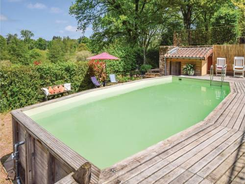 Three-Bedroom Holiday Home in Marval : Guest accommodation near Saint-Estèphe