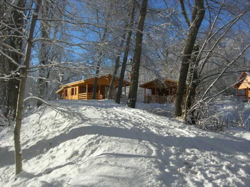 Camping, Hôtel De Plein Air Les Cariamas : Guest accommodation near Châteauroux-les-Alpes