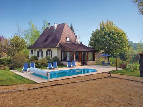 Holiday home La Lucie : Guest accommodation near Saint-Pierre-de-Chignac