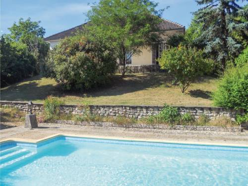 Three-Bedroom Holiday home 0 in Château L´Eveque : Guest accommodation near Agonac