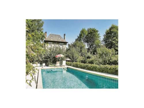 Holiday Home Terrasson-Lavilledieu Rue Gaston Sarnel : Guest accommodation near Terrasson-Lavilledieu