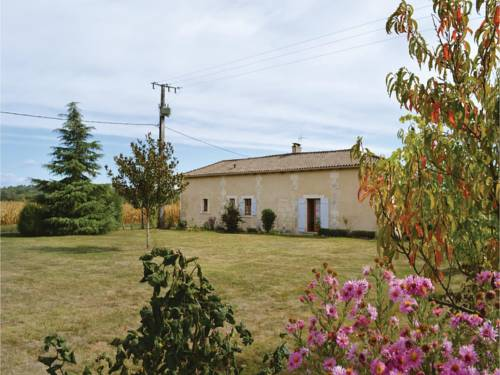 One-Bedroom Holiday Home in Annesse et Beaulieu : Guest accommodation near Annesse-et-Beaulieu