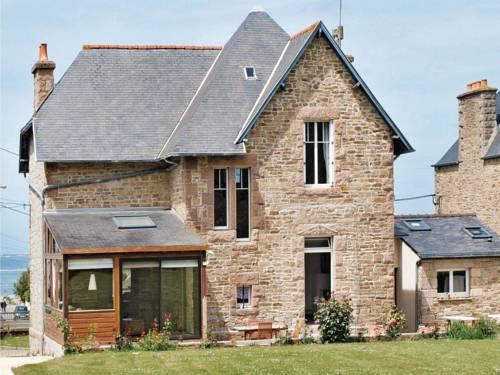 Holiday home Hent Gwaz Ar Gouez : Guest accommodation near Trédrez-Locquémeau