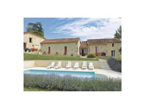 Holiday Home Chateau Labatut : Guest accommodation near Bon-Encontre