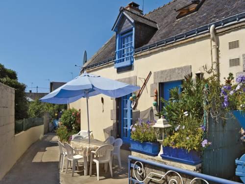 Holiday Home Riantec Rue De Kerner : Guest accommodation near Riantec