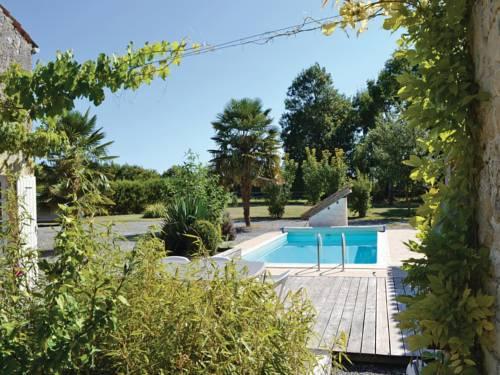 Holiday home Impasse de l'Écluse K-741 : Guest accommodation near Chizé