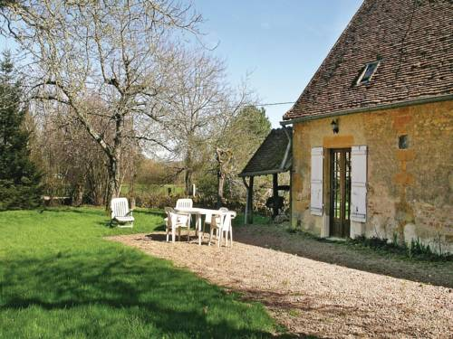 Holiday home St Sulpice H-756 : Guest accommodation near Prémery