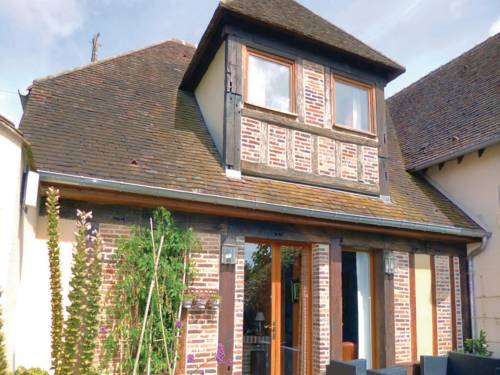 Holiday home Breux-Sur-Avre with a Fireplace 411 : Guest accommodation near Corneuil