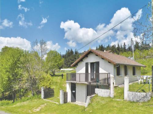 Holiday home Hameau De Vente : Guest accommodation near Saint-Cirgues-en-Montagne