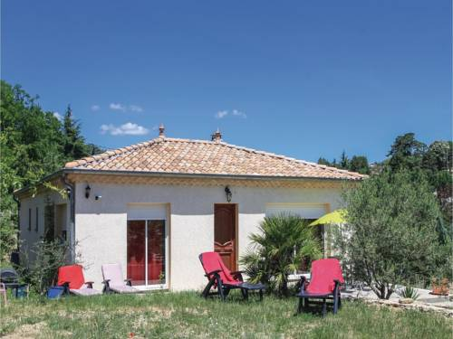 Three-Bedroom Holiday Home in Aubenas : Guest accommodation near Saint-Étienne-de-Fontbellon