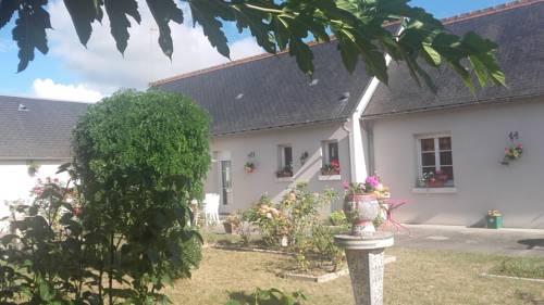 Le Clos des Roses : Bed and Breakfast near Civray-de-Touraine