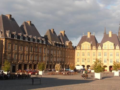 Hôtel de la Meuse : Hotel near Gernelle