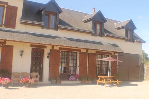 Walnut House : Bed and Breakfast near Chaulieu