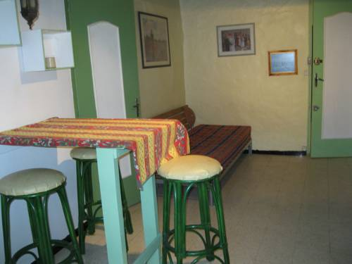 M.ROUSGUISTO PAUL** : Guest accommodation near Vence