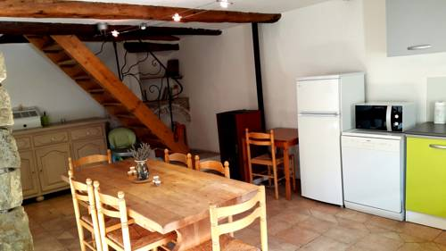 Holiday home Montblanc : Guest accommodation near Val-de-Chalvagne