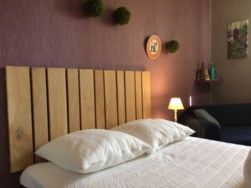 Meublé a Vichy : Apartment near Charmeil