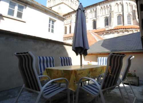 Appartement Sanet : Apartment near Chasnay