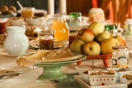 La Ferme de Lintever : Bed and Breakfast near Silfiac