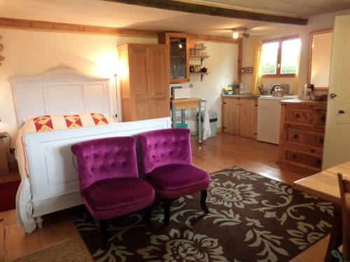 The Studio : Bed and Breakfast near Châteaulin
