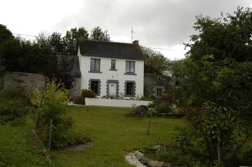 Kerguillaume : Guest accommodation near Caurel