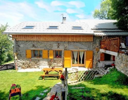 Gite le Mont Colombis : Guest accommodation near La Bâtie-Vieille