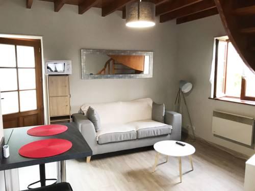 Charmante maison Chateau Chinon : Guest accommodation near Arleuf