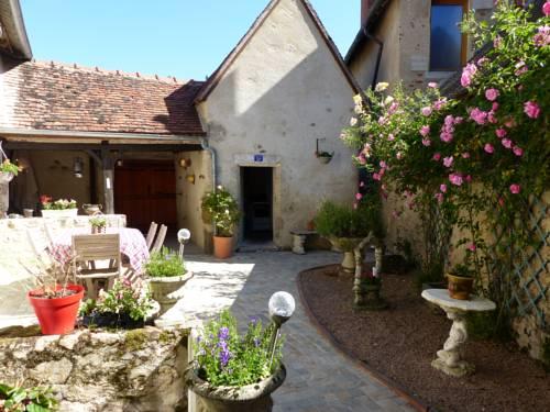 la maison aux hortensias : Bed and Breakfast near Laféline