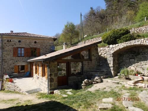 Maison d'hôtes De Theolier : Bed and Breakfast near Saint-Symphorien-de-Mahun