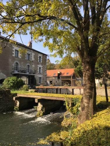 Le Moulin de Mocquesouris : Guest accommodation near Noizay