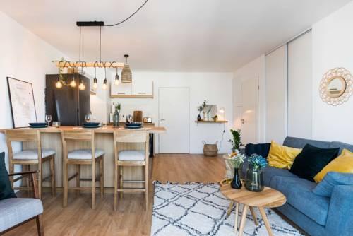Luckey Homes Apartments - Rue de la Faïencerie : Apartment near Cenon