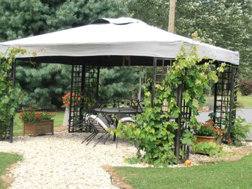 Gite Des Peupliers : Guest accommodation near Aubenton