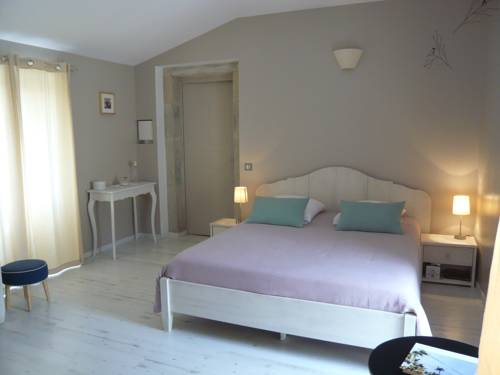 Le Mas des Loges : Bed and Breakfast near Chambonas