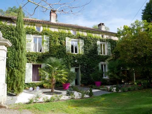 Chambres d'Hôtes Moulin de Masvicomteaux : Bed and Breakfast near Saint-Estèphe