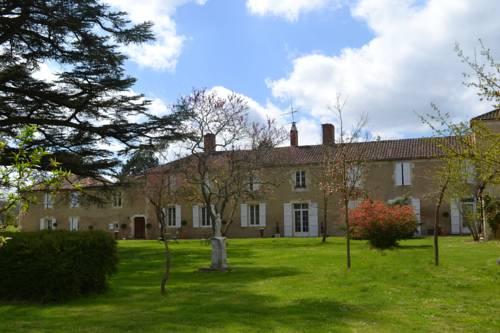 Chartreuse de Dane : Bed and Breakfast near Vic-Fezensac