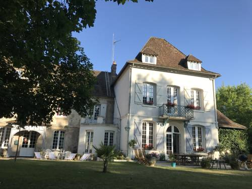 Residence La Buissonnière : Bed and Breakfast near Retheuil