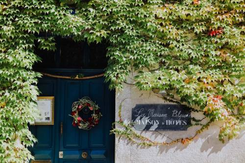 La Maison Bleue : Bed and Breakfast near Saint-Étienne-de-Villeréal