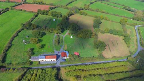 La Rougerie : Guest accommodation near Airel