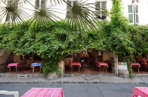 Hôtel Les Arcades : Hotel near Biot