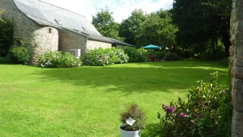 Domaine Huelgoat : Guest accommodation near Brennilis