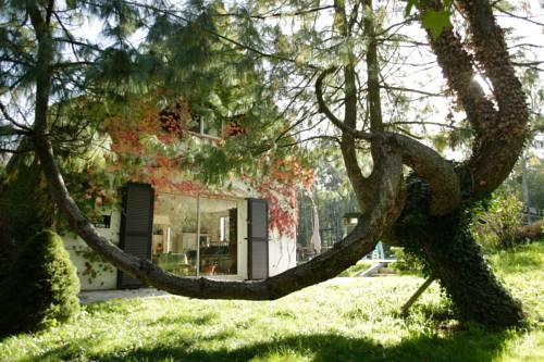 Maison du Rocher de Fontainebleau : Guest accommodation near Tousson