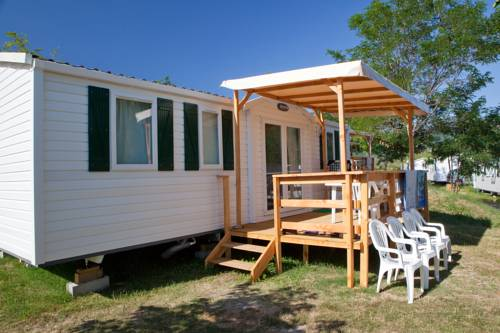 Ludocamping : Guest accommodation near Darbres