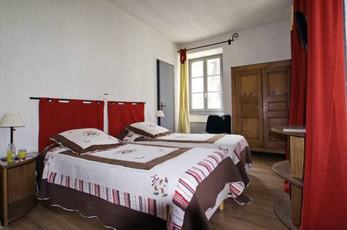 Auberge de Mens : Hotel near Nantes-en-Ratier