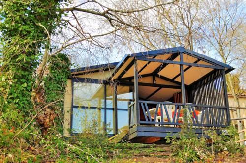 Camping de l'Arche : Guest accommodation near Saint-Maurice-d'Ardèche